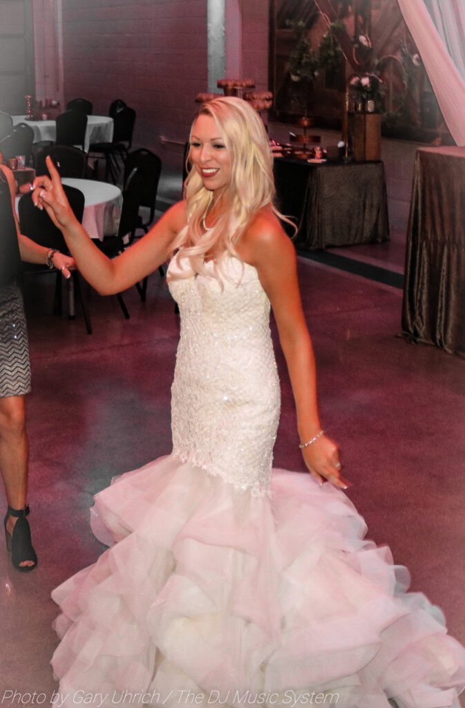 Bride Dancing Weborg 21 Centre
